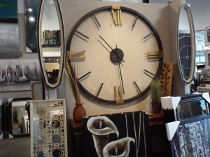 large wall decor pieces